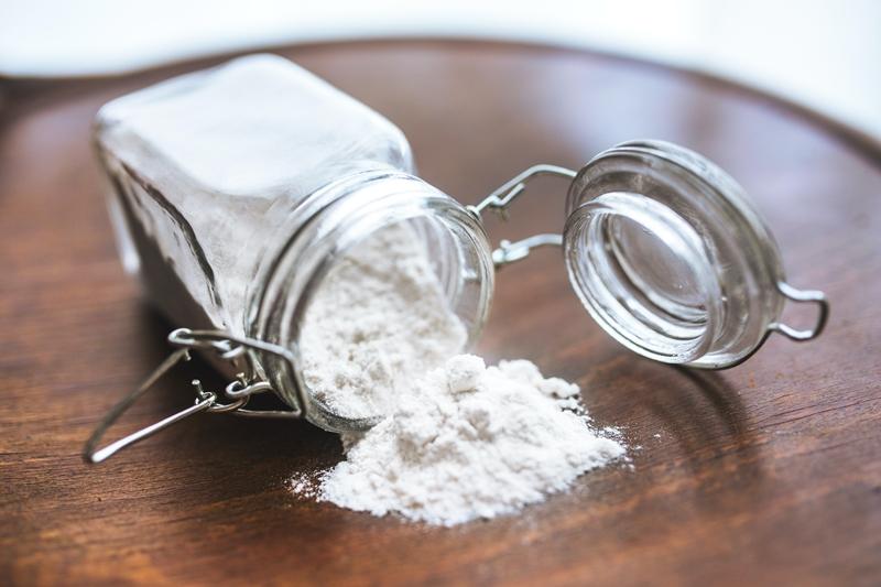 bicarbonate de soude utilisations comment nettoyer des converses blanches