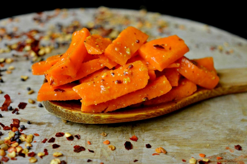 blanchir carotte mariner les carottes aux piments rouges