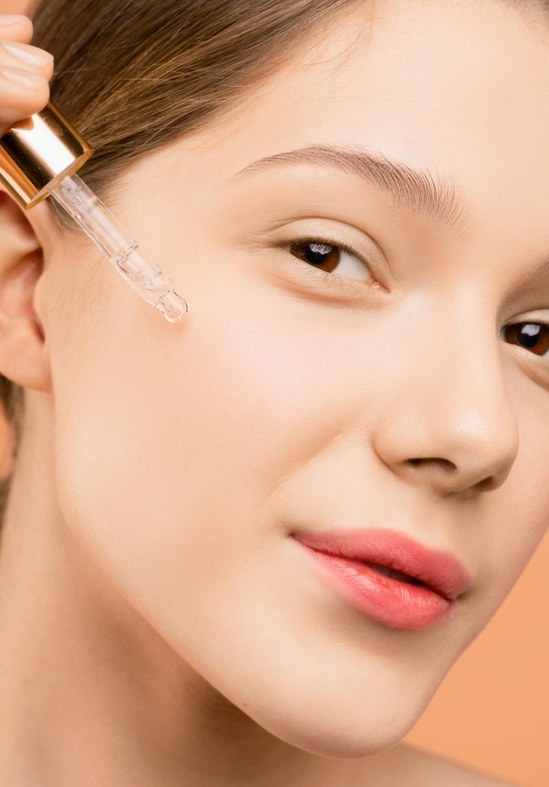 comment appliquer l huile de ricin mettre huile de ricin sur le visage