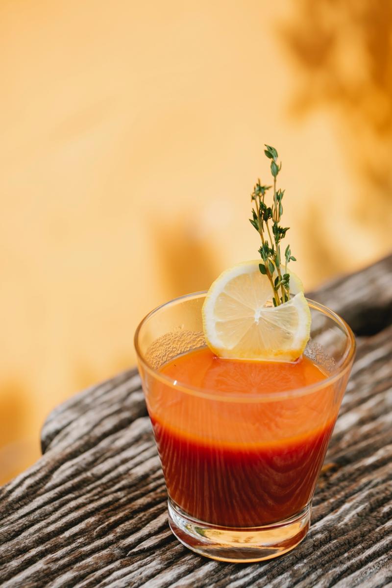 comment atténuer les cernes jus de tomate et de citron