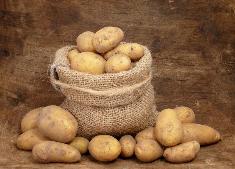 comment conserver des pommes de terre épluchée pommes de terres crues dans un sac