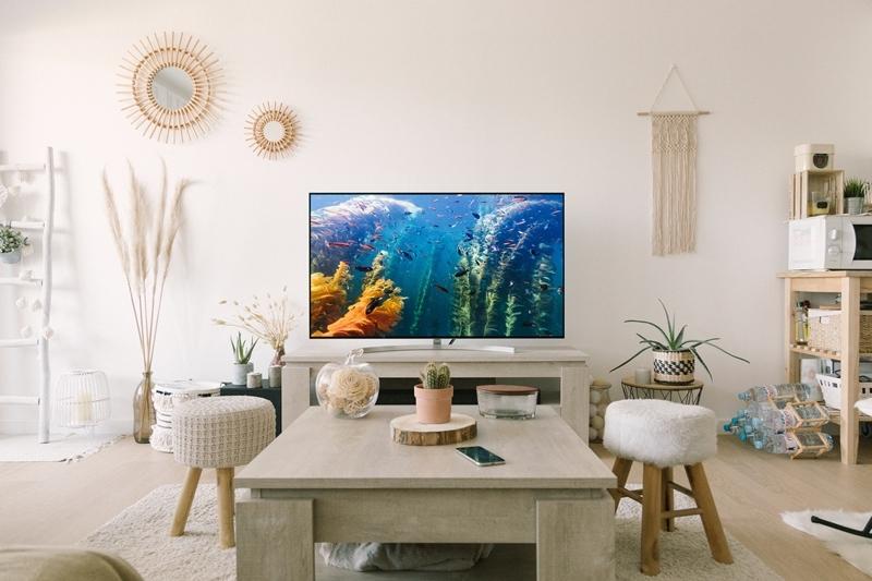 comment nettoyer un ecran tv déco boho moderne salon miroir soleil