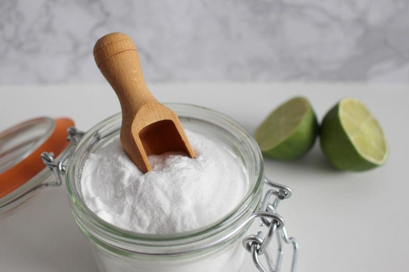 comment nettoyer un matelas jauni a l aide de bicarbonate de soude astuce simple et facile