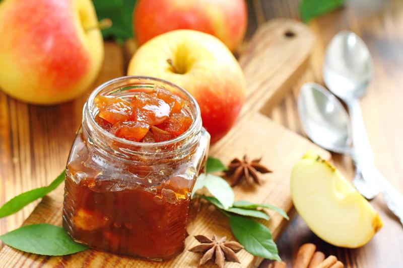 confiture de pomme un petit bocal de confiture de pommes