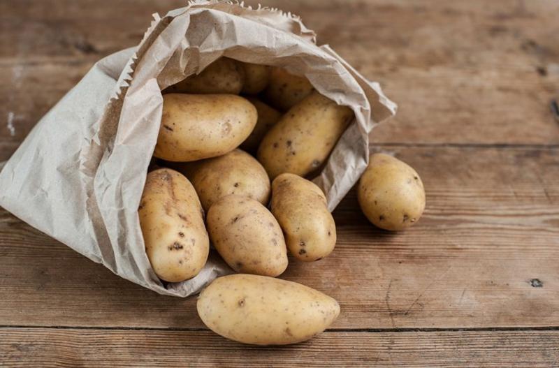 congeler des pommes de terre conserver les pommes de terre dans un sac de papier