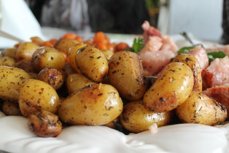 conservation pomme de terre cuite un tas de pommes de terre cuites sans être tranchés