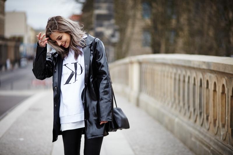 coupe vent femme vêtements veste noire blouse blanche