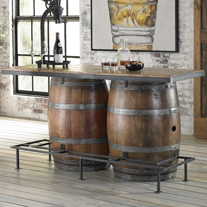 fixer un plateau sur un tonneau faire un bar bouteille et verres de vin comptoir moderne