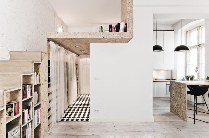 mezzanine salon ouvert déco blanc et bois carrelage noir et blanc