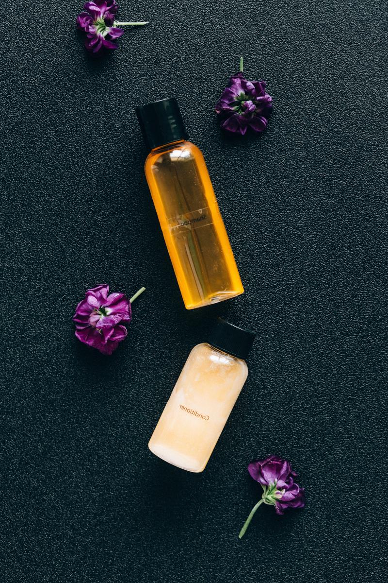 nettoyer brosse à cheveux deux tubes d huiles à cheveux