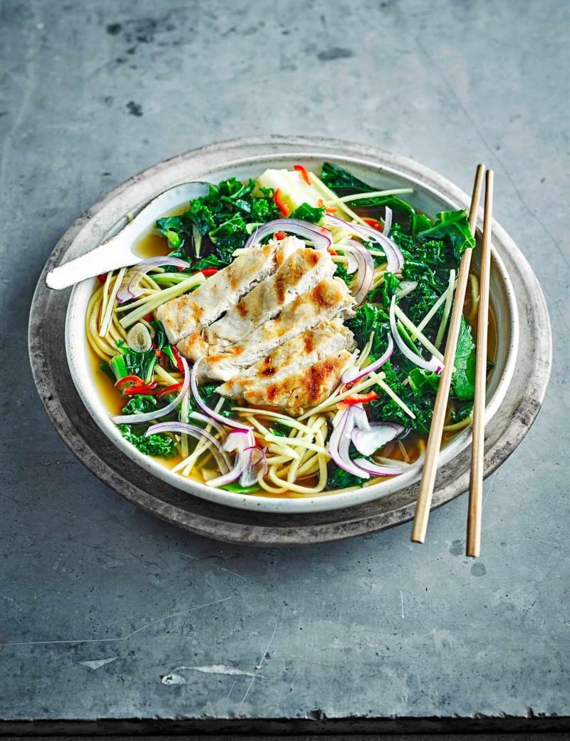 recette ramen poulet teriyaki grilé légumes frais et sauce