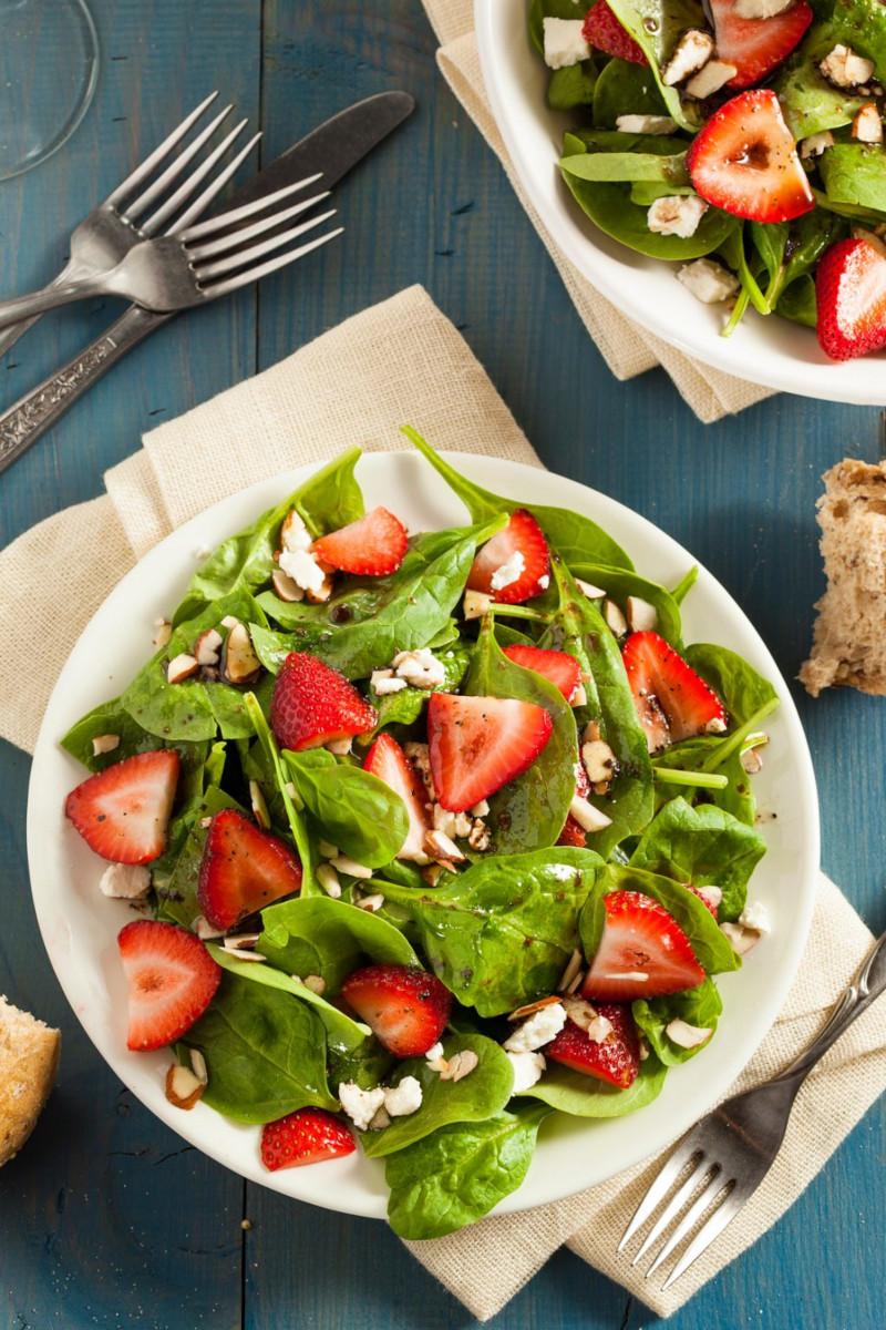 salade d'été à la fraise