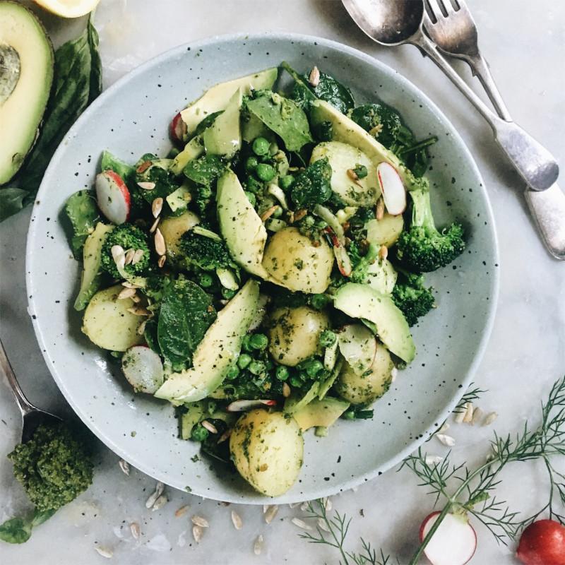 salade de pomme de terre marocaine aux épinards pois et sauce pesto