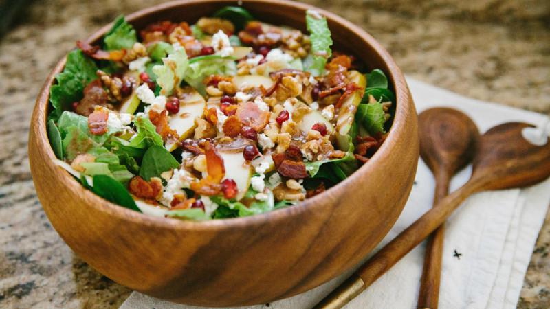 salade pomme de terre à la roquette grains de grenade bacon