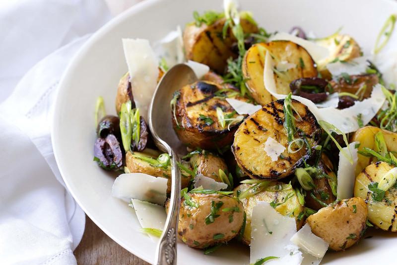 salade pomme de terre thon parmesan olives aneth pommes de terre grillées