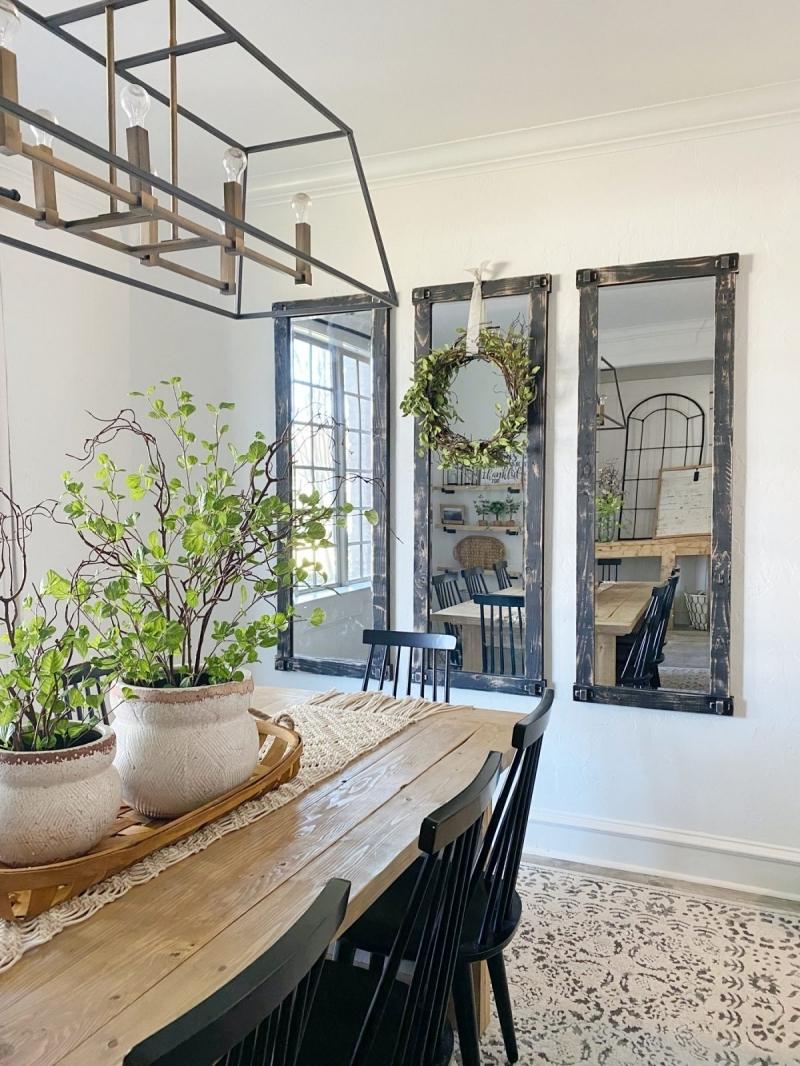 style rustique table bois chaise noire miroir salle a manger
