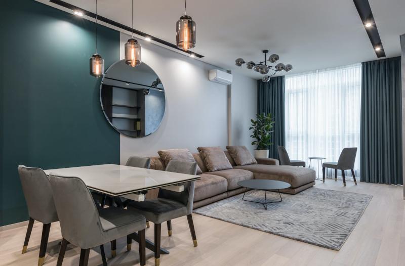tendance couleur déco 2021 bleu petrole et blanc en contraste mobilier en gris