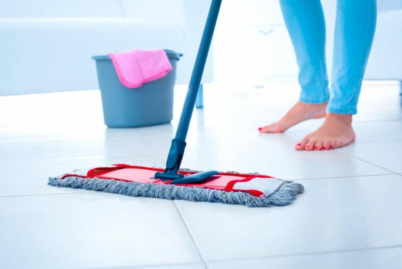 vinaigre blanc antibactérien nettoyer le sol par le vinaigre ménager