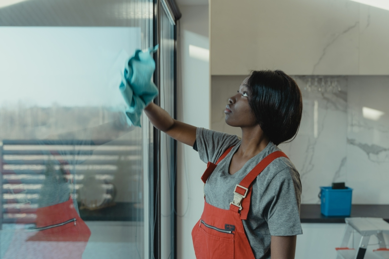 vinaigre blanc nettoyage nettoyer les vitres grâce au vinaigre ménager