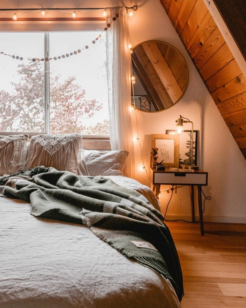 chambre cosy romantique guirlande lumineuse coussin macramé