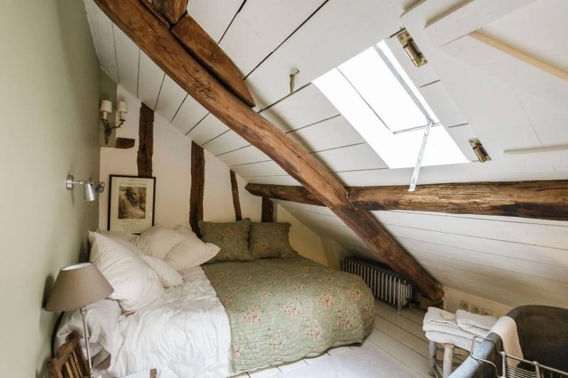 cosy déco chambre cocooning lit sol coussins décoratifs