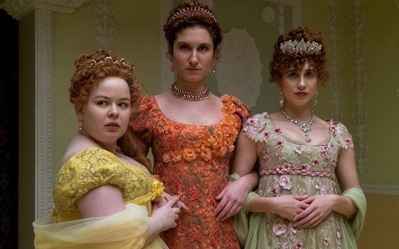 deguisement halloween adulte les soeurs de bridgerton femme robe fleurie colorée