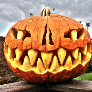 Comment creuser une citrouille d'Halloween comme un pro - les meilleurs conseils !