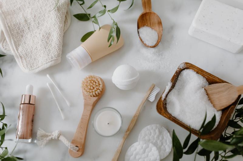 lessive maison au savon de marseille bicarbonate de soude eau huile essentielle