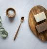 lessive naturelle faite a partir de savon de marseille et savon noir bicarbonate de soude