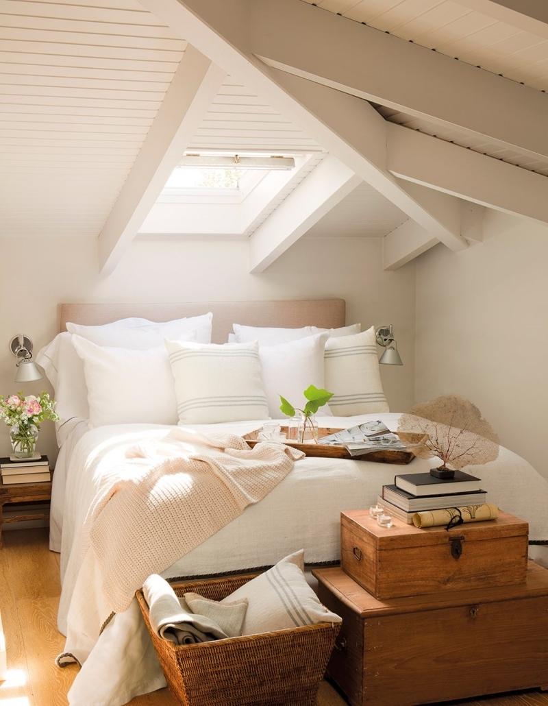 meubles bois déco lit douillet chambre sous comble bas