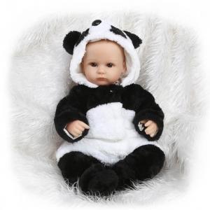 Les bébés reborn : tout à savoir sur le phénomène des poupées réalistes