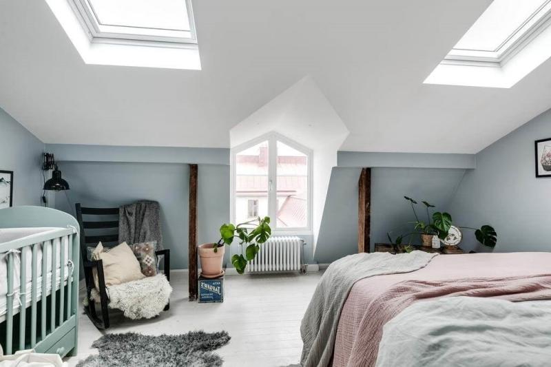 peinture bleu pastel petite chambre adulte cosy plantes vertes