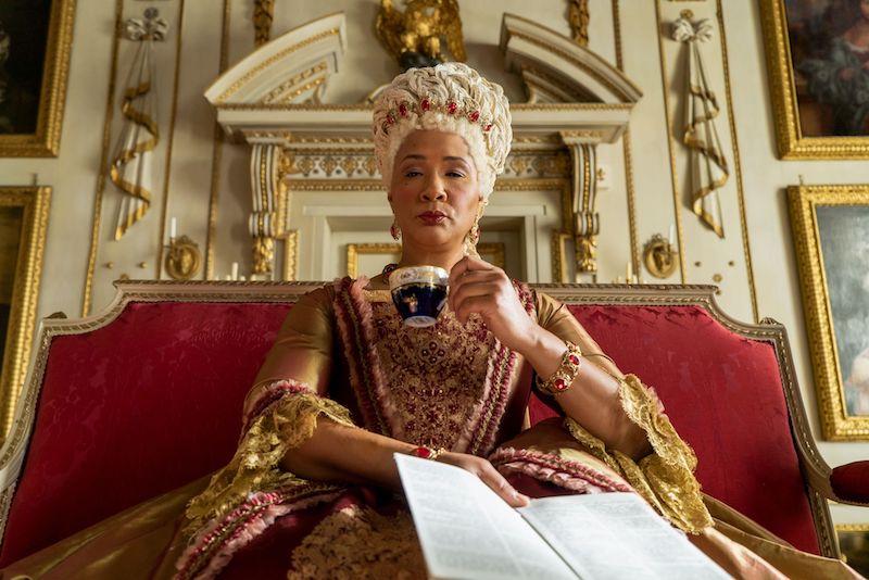 personnage halloween bridgerton la reine charlotte deguisement robe vintage mode royale