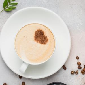 Le café noisette : une boisson chaude fantastique pour la saison automne-hiver